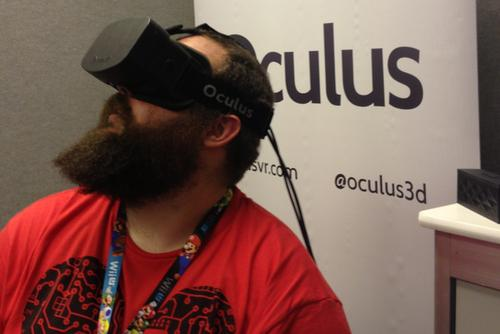 PCWorld senior writer Brad Chacos using the original Oculus Rift developer kit.